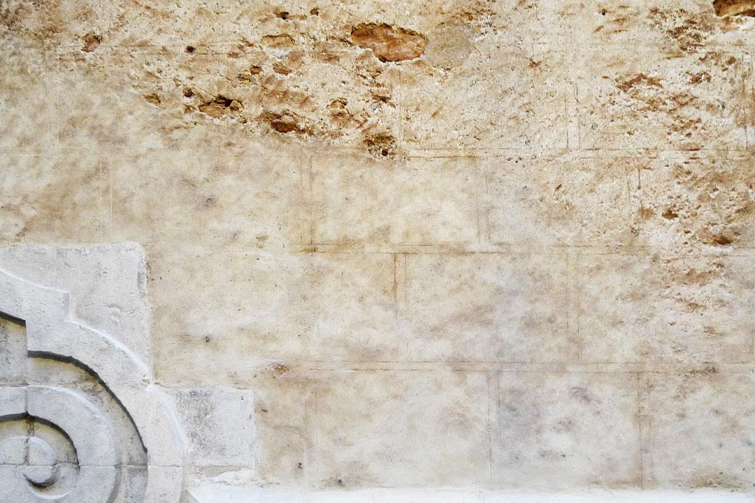 Restauración de almohadillado en fachada Capilla de la Comunión, San Bartolomé de Benicarló