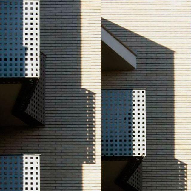 Edificio de 16 viviendas, locales comerciales y sótano para garaje en Oliva (Valencia)